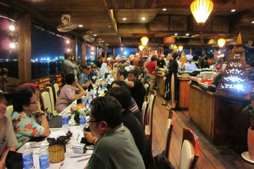 DINNER CRUISE ON HO CHI MINH RIVER