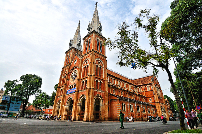 Notre Dame Cathedral ho chi minh city tour half day4