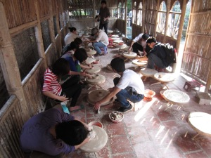 BAT-TRANG-CERAMIC-VILLAGE-TOUR3