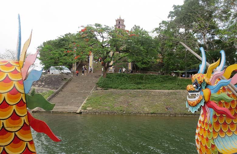 Hue Boat Tour in perfume river