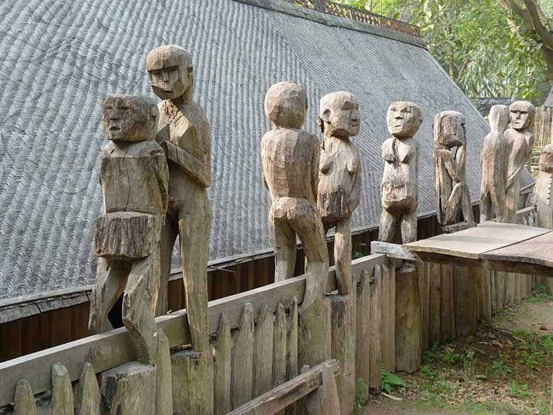 vietnam-Museum-of-Ethnology2